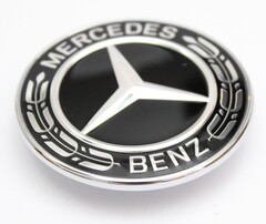 Заглушка на капот для Mercedes