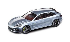 Модель Porsche Panamera Sport Turismo