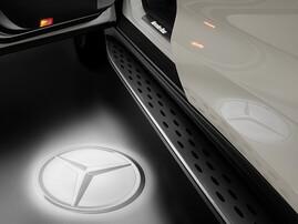 Проекция логотипа Mercedes