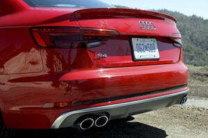 Спойлер S-Line для Audi A4 B9